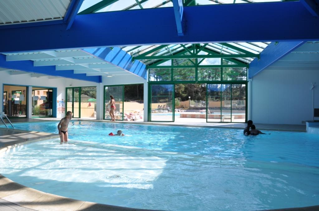 camping vende avec piscine couverte piscine couverte du domaine des pins