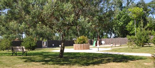 L'Aire de Jeux au Domaine des Pins camping à saint hilaire de riez
