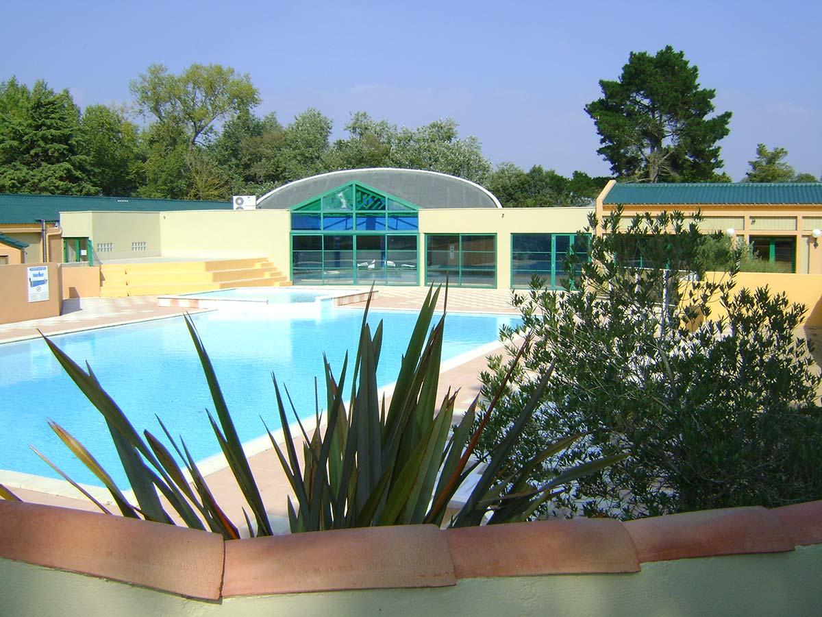 le Domaine des Pins piscine du camping